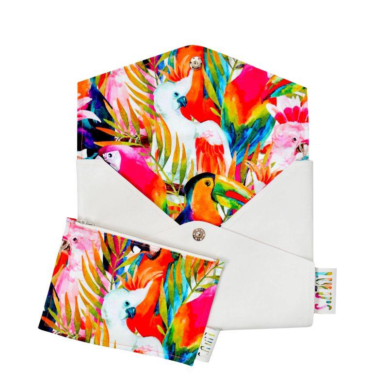 Laptop hoes met papegaaienprint en kleurrijke achtergrond